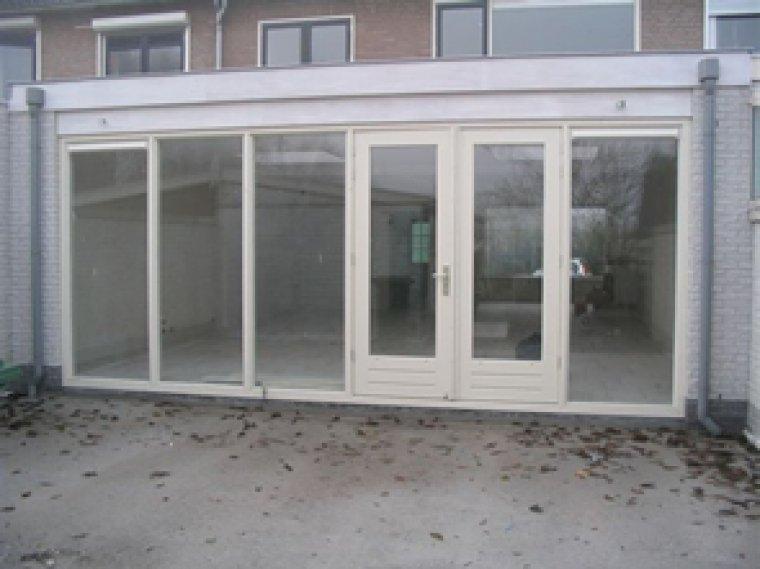 Openslaande Deuren Hout : Aanbouw met houten openslaande deuren aanemersbedrijf houdijk